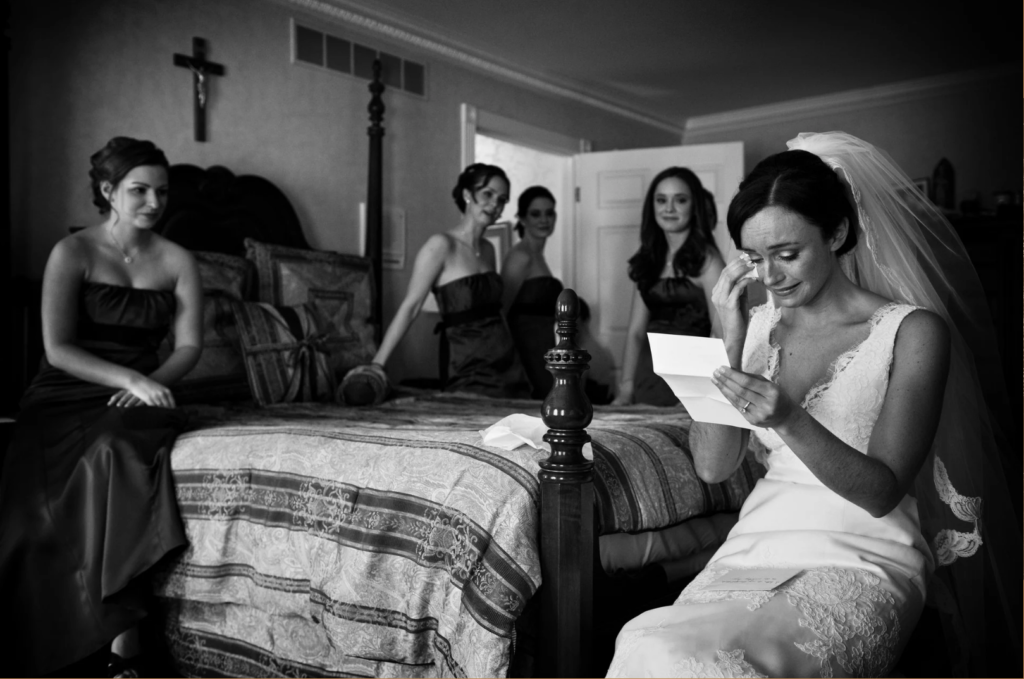 Cliff Mautner Photographyy Bride Reading Note