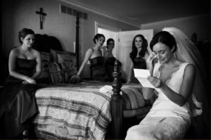 Cliff Mautner Photography Philadelphia Wedding Photos Bride Reading Note